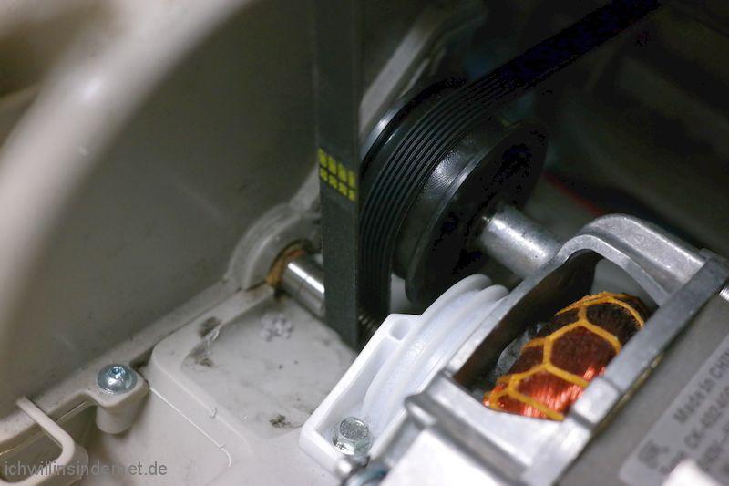 AEG T65280AC: neuer Riemen ist gespannt