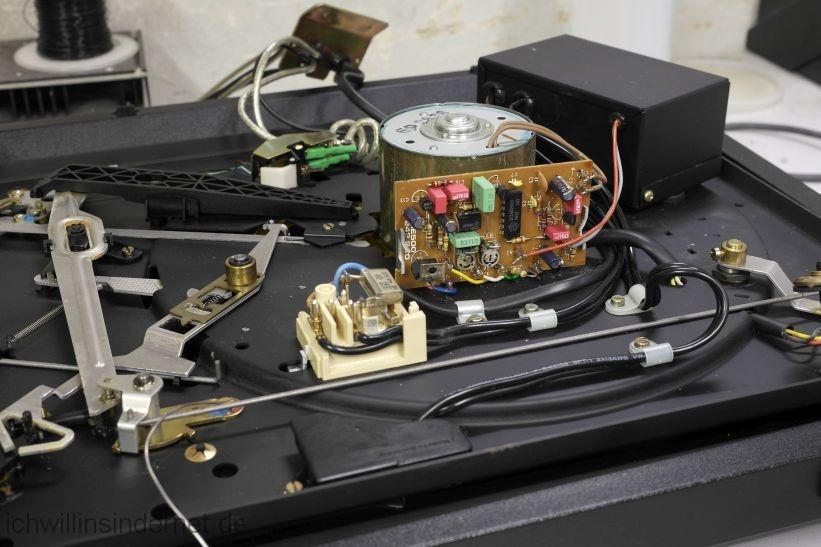 Dual 621: neue Kondensatoren auf der Regelplatine