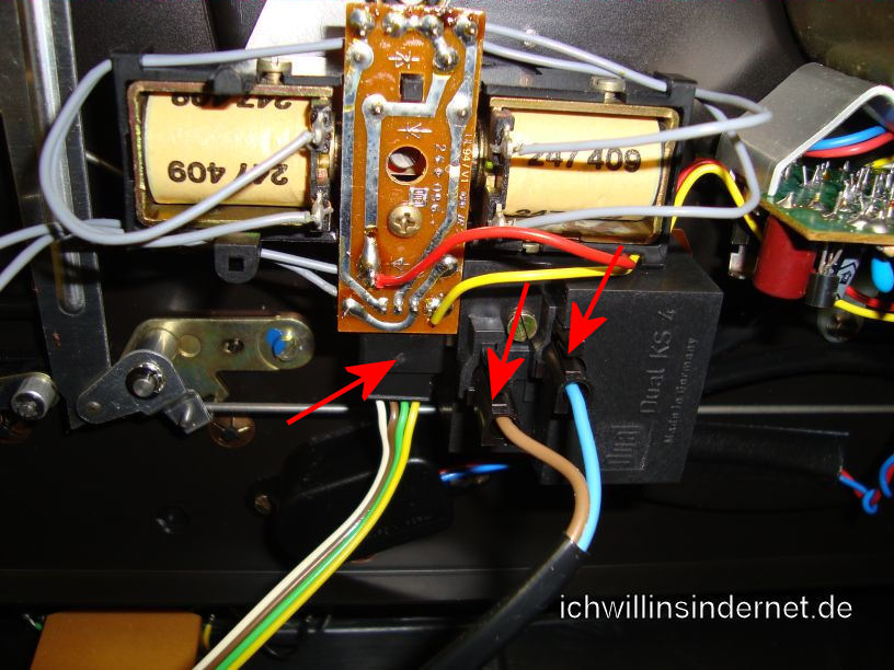 Dual 626 Plattenspieler: Anschluss Taster