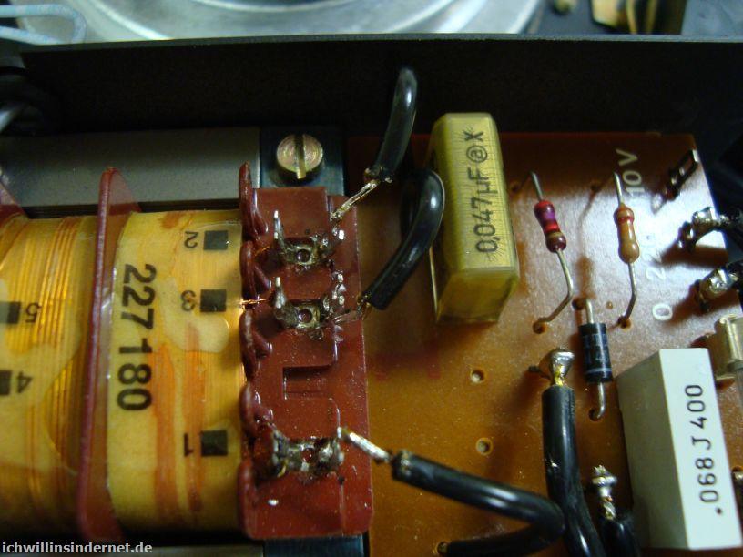 Dual 704: alter Endstörkondensator im Netzteil