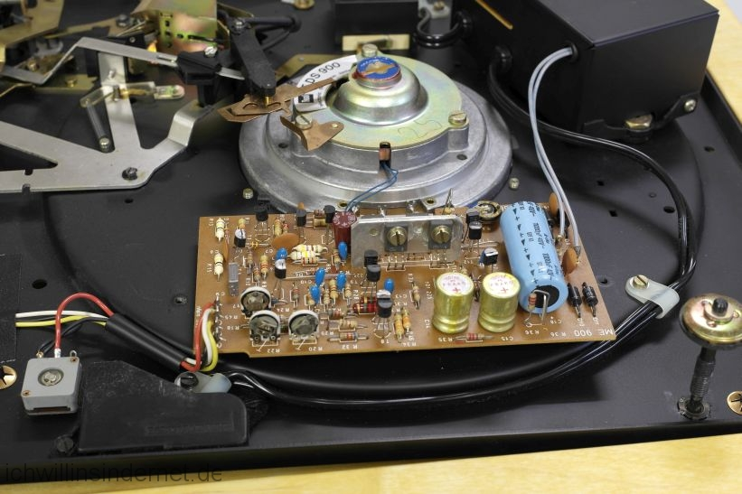 Dual 704: Motorsteuerung mit alten Kondensatoren