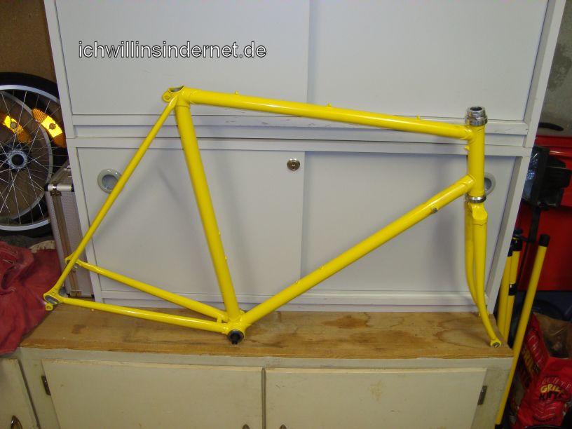 Altes Rennrad: Rahmen nach dem Pulverbeschichten