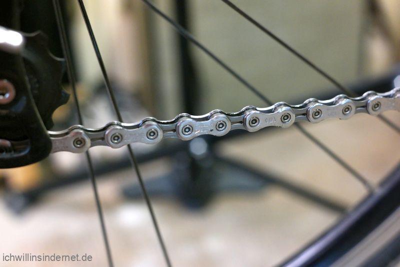 neue montierte Fahrradkette