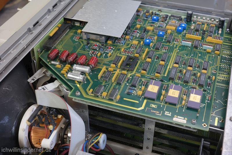Hewlett Packard 54200A Oszilloskop: Unterseite