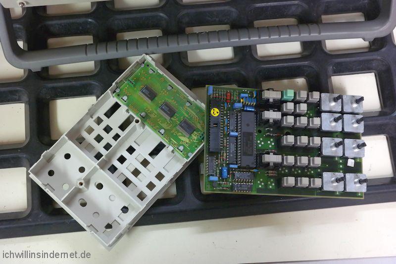Philips PM 3050 Oszilloskop: zerlegte Tastatur