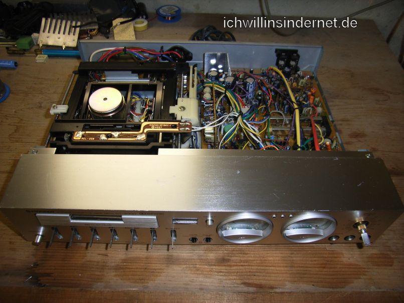 Pioneer CT 3000: Frontplatte entfernen