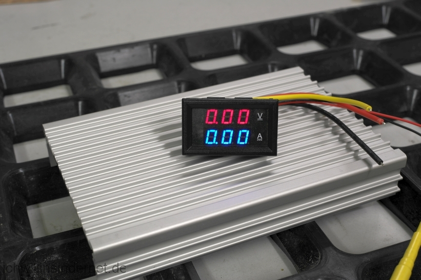 Rauscharmes Netzteil für den Raspberry PI mit Hifiberry: Voltmeter Amperemeter