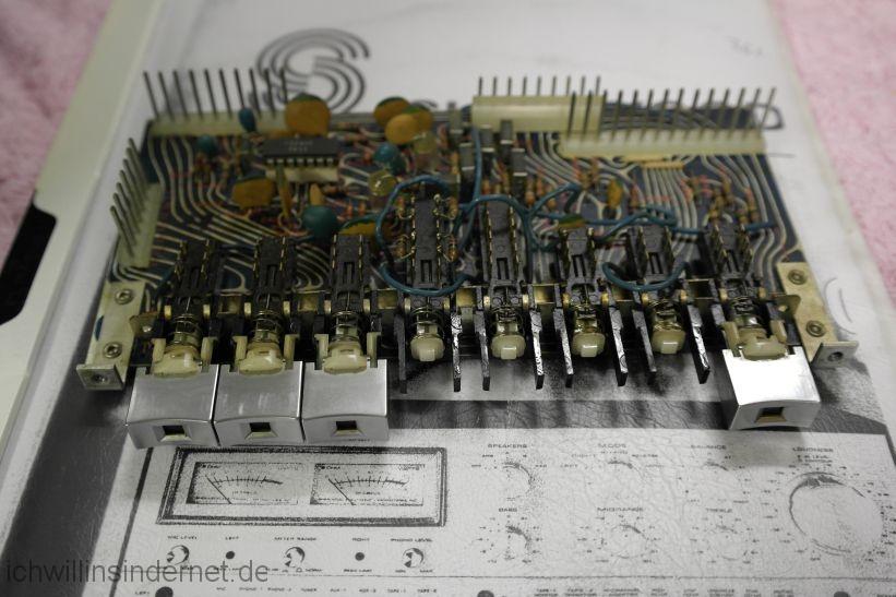 Kappen der Druckschalter wurden demontiert