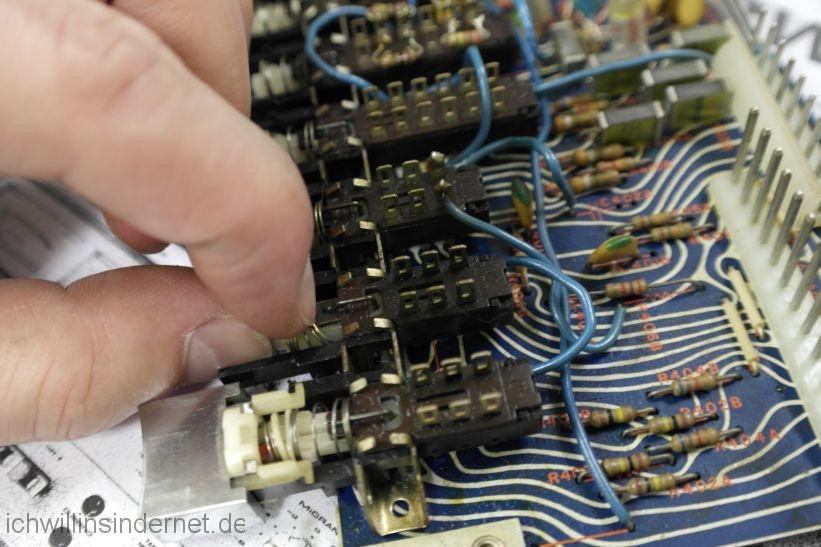 Schaltereinsätze werden demontiert