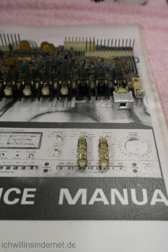 Sherwood HP 2000: Schaltereinsätze sind demontiert