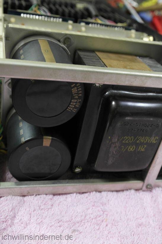 Sherwood HP 2000: neue Elkos des Netzteils