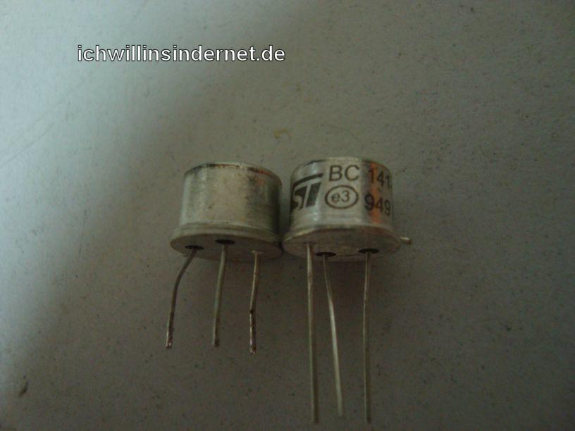 defekter und neuer Transistor