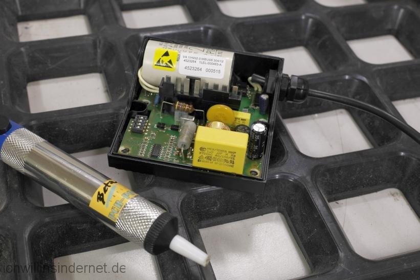 Viessmann Vitodens 300 Steuerung der Heizkreispumpe reparieren: reparierte Steuerplatine