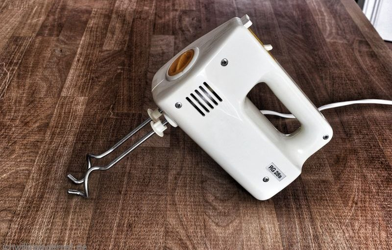 Handrührgerät AKA RG28S reinigen